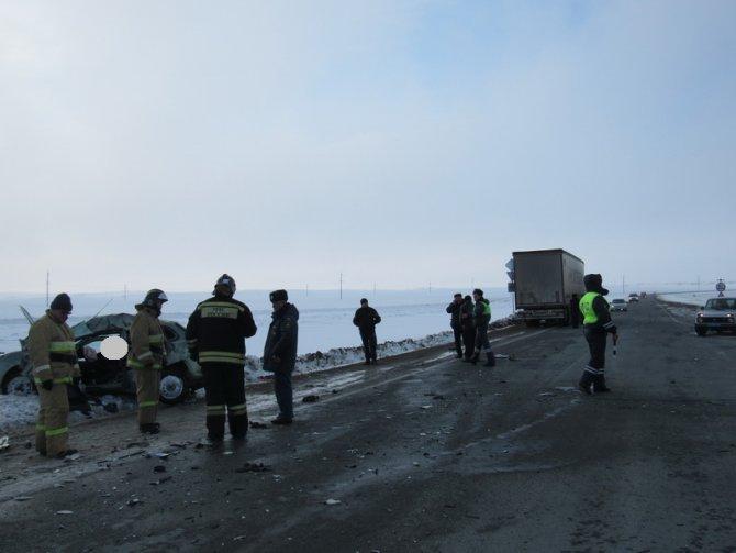 Водитель «Лады» погиб в ДТП в Оренбургской области