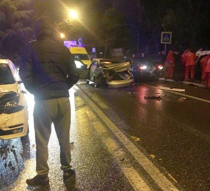 Четыре человека пострадали в ДТП в Сочи