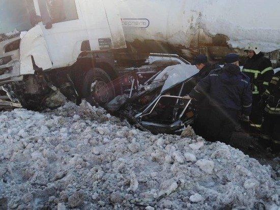 Два человека погибли в ДТП с бензовозом в Чувашии (1)