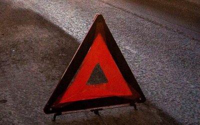 В Москве такси врезалось в столб – погибли двое