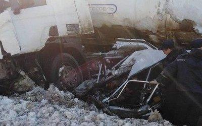 Два человека погибли в ДТП с бензовозом в Чувашии