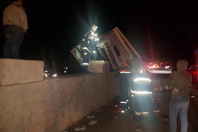 В Сочи погиб водитель опрокинувшегося грузовика (1)