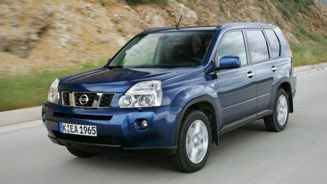 2 Nissan X-Trail