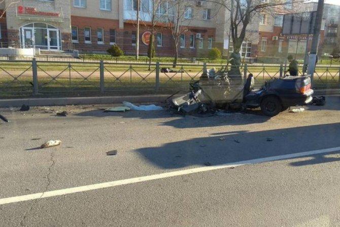 Два человека погибли в ДТП с автобусом в Колпинском районе