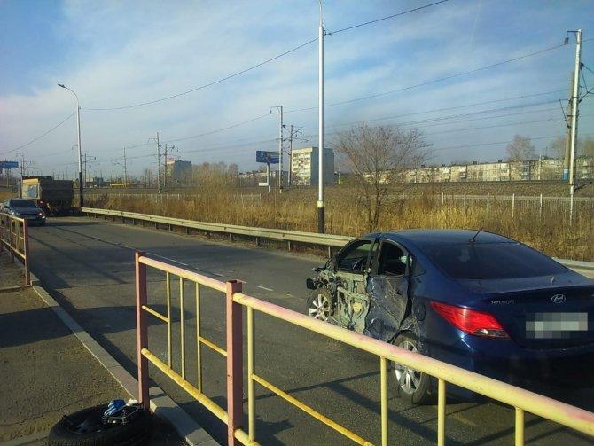 Женщина и двое детей пострадали в ДТП в Хабаровске (2)