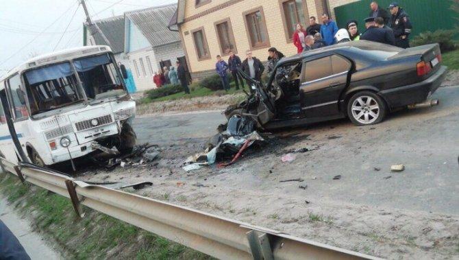 В Почепе в ДТП с автобусом погиб водитель иномарки (1)
