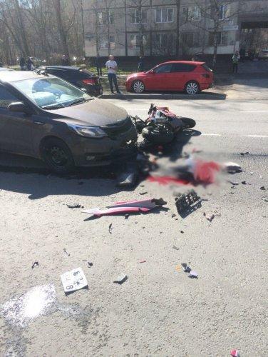 В Петербурге в ДТП погиб мотоциклист