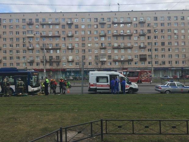 В Петербурге троллейбус насмерть сбил женщину (1)