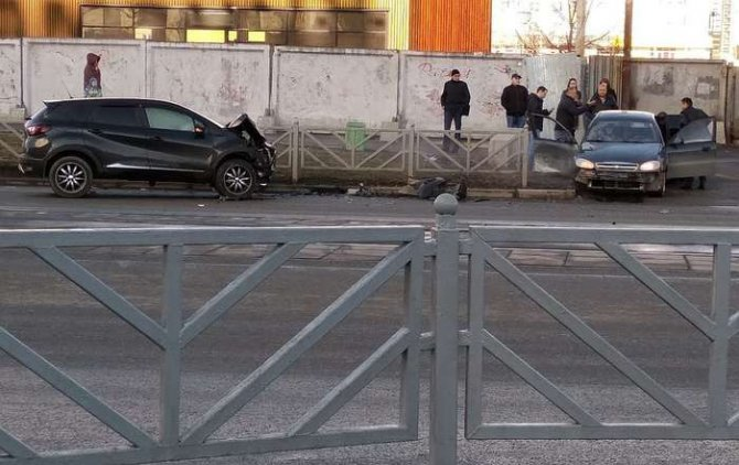 В ДТП в Екатеринбурге на улице 8 Марта погибла женщина (4)