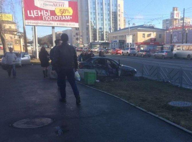 В ДТП в Екатеринбурге на улице 8 Марта погибла женщина (1)