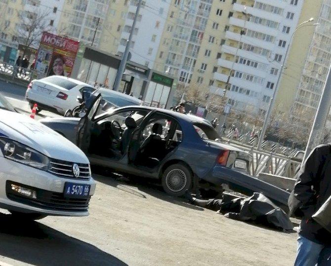 В ДТП в Екатеринбурге на улице 8 Марта погибла женщина (3)