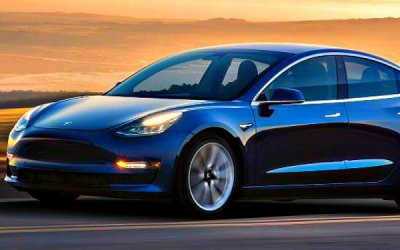 Продажи Tesla снизились натреть