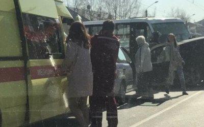 Пять человек пострадали в ДТП в Барнауле