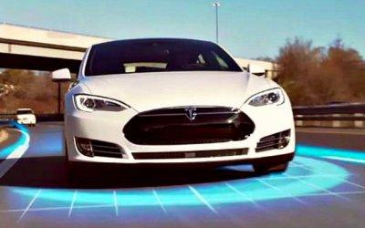 Tesla обновит автопилоты своих электромобилей