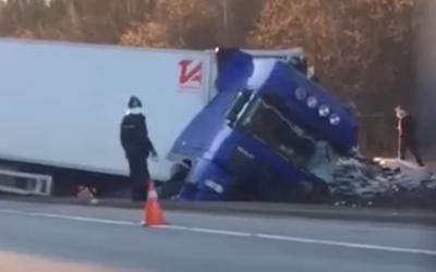 В ДТП с грузовиками в Подмосковье погиб человек