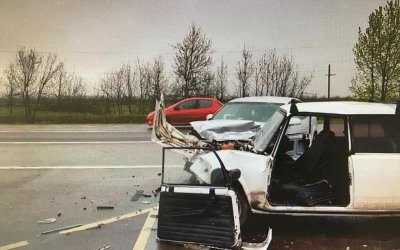 24-летний водитель ВАЗа погиб в ДТП на въезде в Краснодар