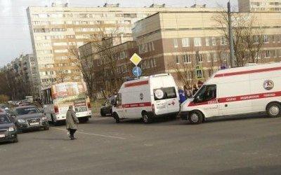 В Петербурге автомобиль сбил 8-летнюю девочку