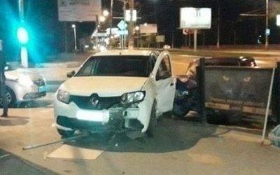 18-летний водитель ВАЗа устроил ДТП в Волгограде