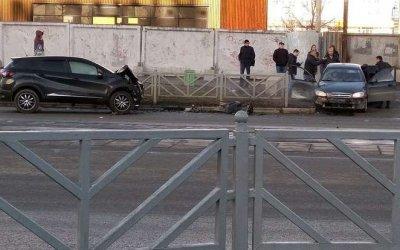 В ДТП в Екатеринбурге на улице 8 Марта погибла женщина