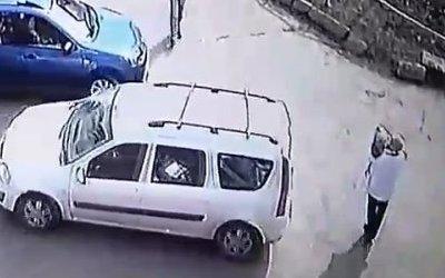 ВИжевске«Лада» сбила женщину с ребенком на руках