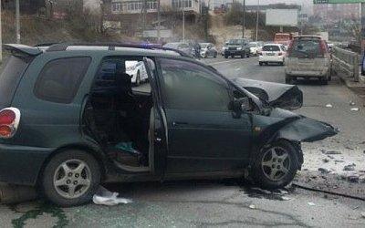В ДТП во Владивостоке водитель иномарки убил отца семейства