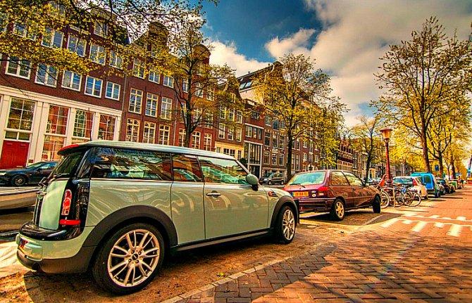 и амстердам