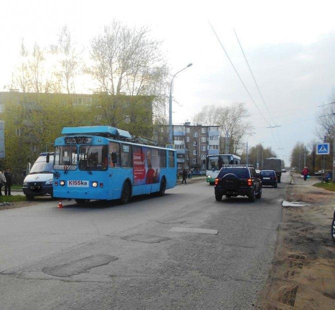 В Рыбинске троллейбус сбил ребенка
