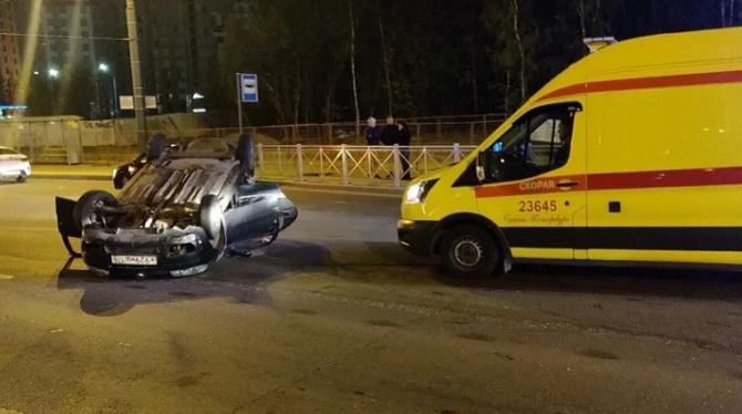 В Петербурге в ДТП на Кушелевской погиб человек