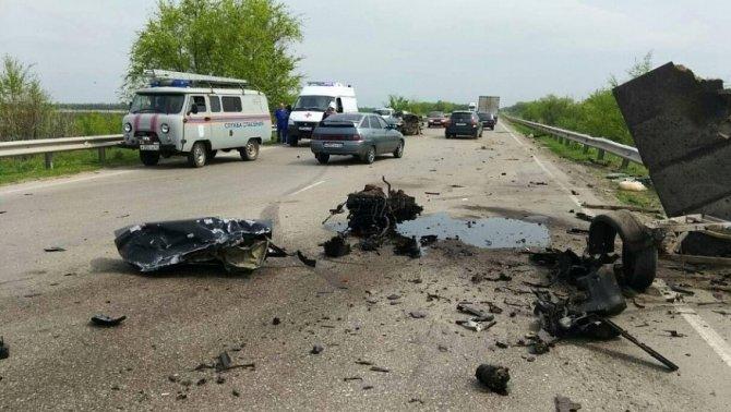 Водитель «Приоры» погиб в ДТП под Марксом (2)