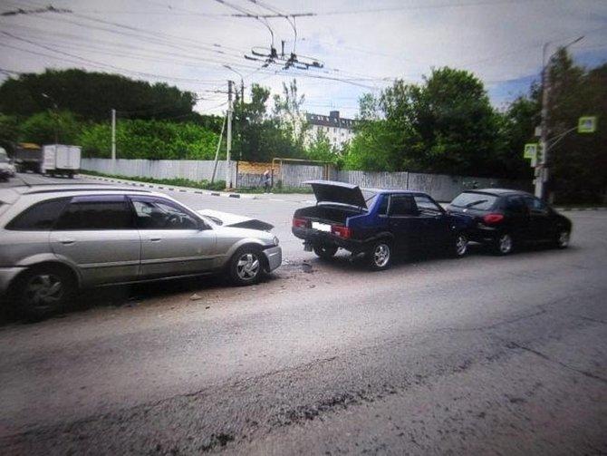 В Туле в массовом ДТП пострадала девочка