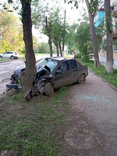 Группа подростков разбилась в ДТП в Астраханской области (2)