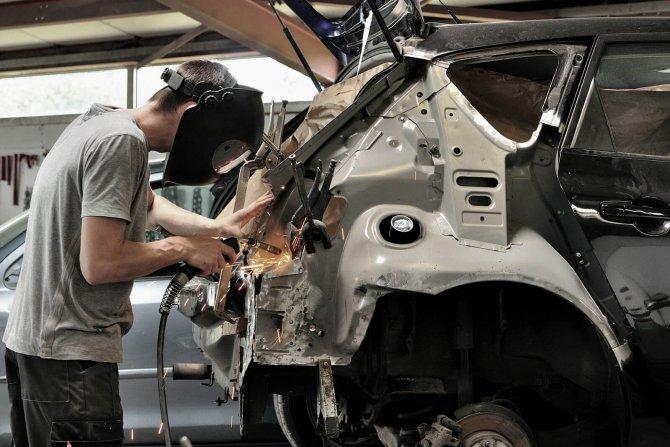 Кузовной ремонт автомобиля в Москве