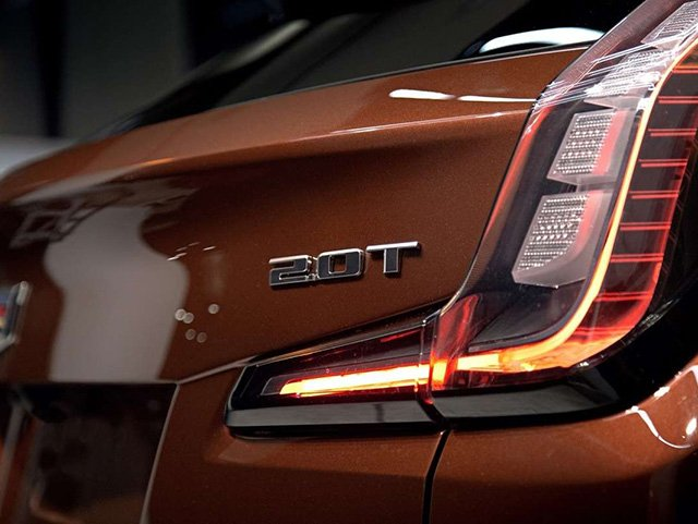 640х481 2019-Cadillac-XT4-exterior-017.jpg