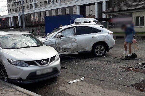 Девочка пострадала в ДТП с маршруткой в Брянске (2)