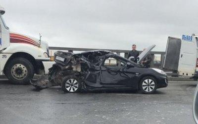 Молодой пассажир иномарки погиб в ДТП с фурой на КАД
