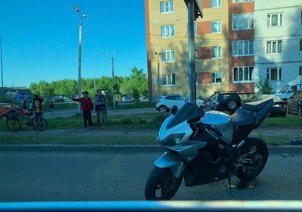 В Сыктывкаре в ДТП пострадал 18-летний мотоциклист