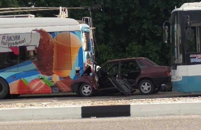 Два человека погибли в ДТП с троллейбусом в Симферополе