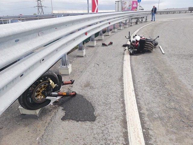 В Тюмени мотоциклист погиб, упав с путепровода (2)
