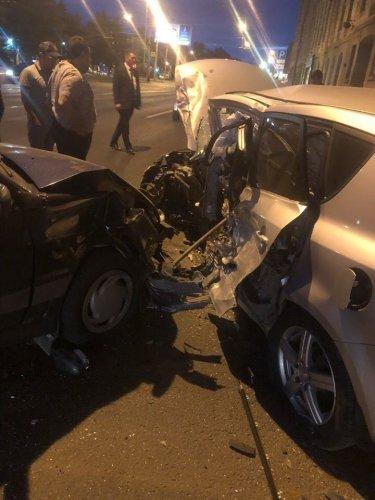 Водитель иномарки погиб в ДТП на севере Петербурга
