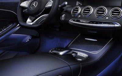 В России отзывают 330 пикапов Mercedes-Benz из-за плохой подсветки ног