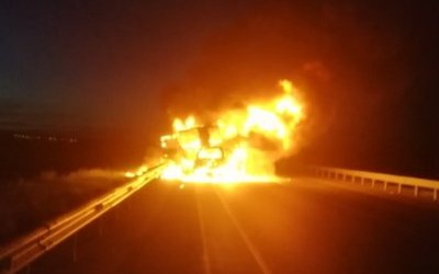 Два человека сгорели после ДТП под Тюменью