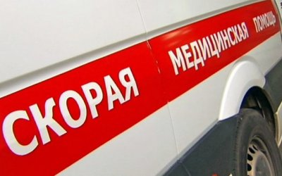 В Челябинске автомобиль сбил четырех человек на тротуаре