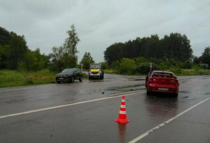 В ДТП под Тулой пострадал водитель иномарки
