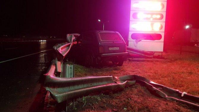 В ДТП под Энгельсом погиб водитель «Нивы»