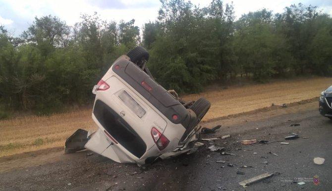 Водитель иномарки погиб в ДТП с грузовиком вод Волгоградом (1)