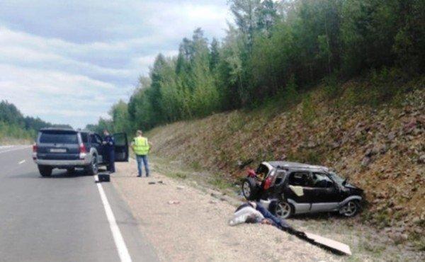 Трехлетняя девочка вылетела из машины в смертельном ДТП в Якутии