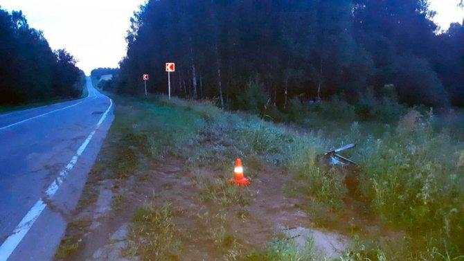 Во Владимирской области при опрокидывании машины в кювет погиб человек (3)