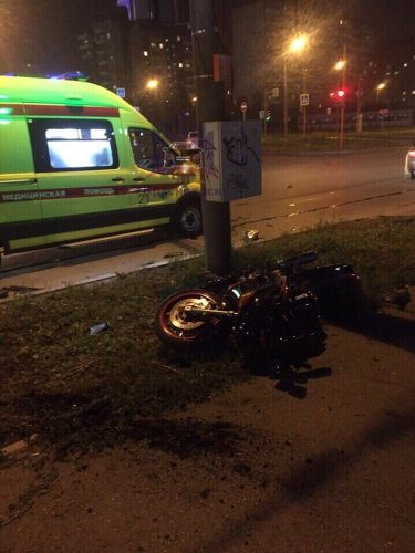 Пассажирка мотоцикла погибла в ДТП в Красноярске (1)