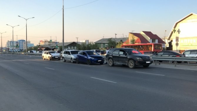 Двое детей пострадали в массовом ДТП в Якутске