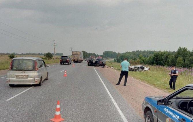 Взрослый и ребенок погибли в ДТП в красноярском крае